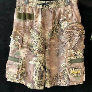 Team Realtree Advantage Max-1 Camo Cargo Shorts